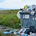 L'utilisation abusive des sacs plastiques comme nocif pour notre environnement.